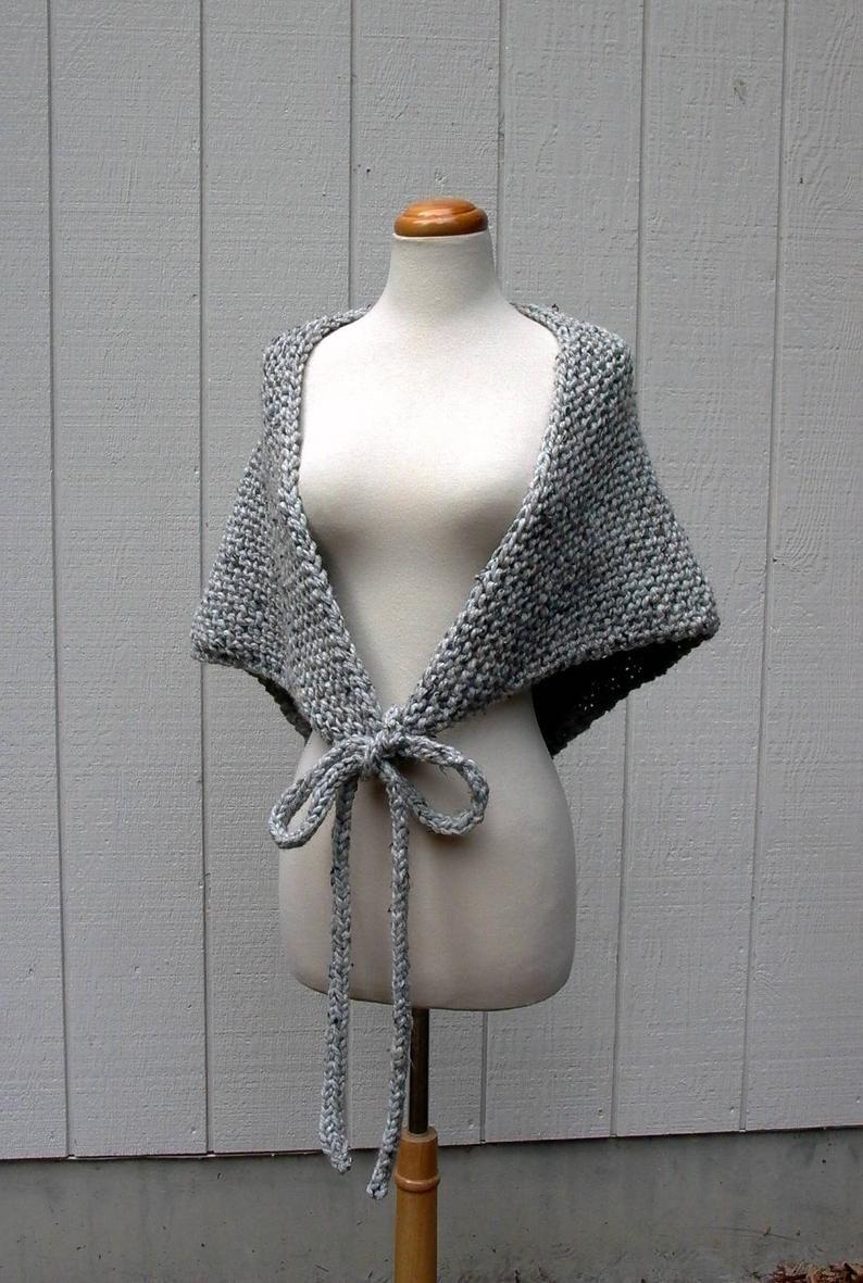 eso es un envoltorio. Patrón de tejido fácil. patrón de chal de punto grueso. capa poncho pdf tejido de punto. patrón de bufanda de bandana triangular de gran tamaño