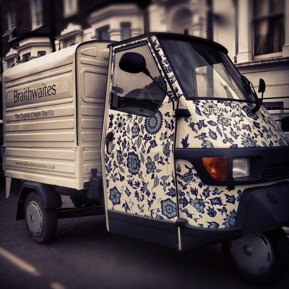 tea van converted by coffee latino. Black Bedroom Furniture Sets. Home Design Ideas