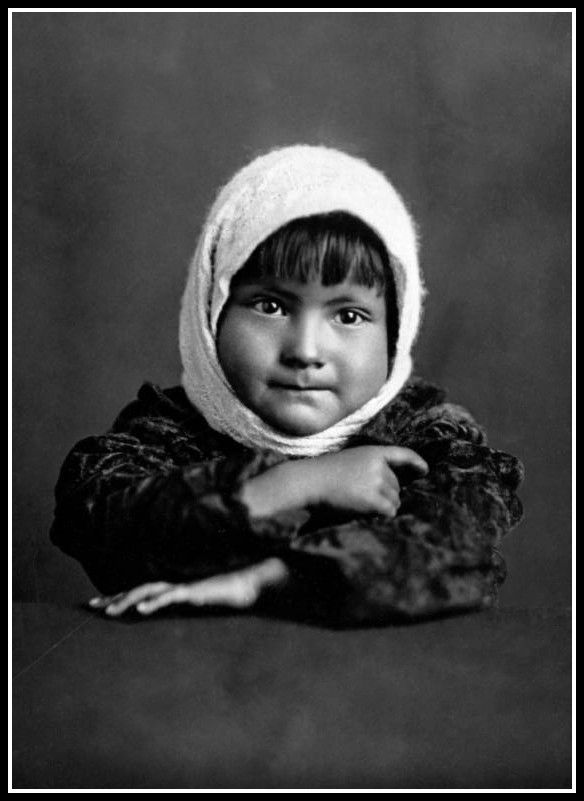Isleta baby. Photo between 1900 and 1920.