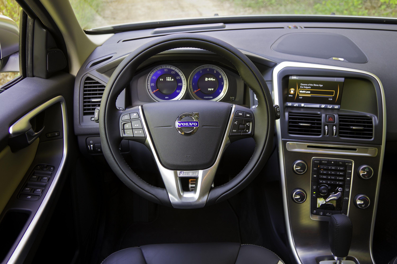 Volvo Xc60 R Design Cockpit Volvo Xc60 Volvo Volvo Cars