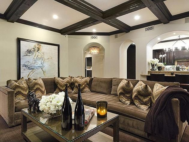 Khloe Kardashian 39 S California Home Living Room
