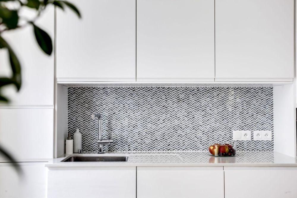 Idees Cuisine Caissons Et Facades Ikea Voxtorp Plan De Travail Marbre Decoration Maison Meuble Retro Appartement