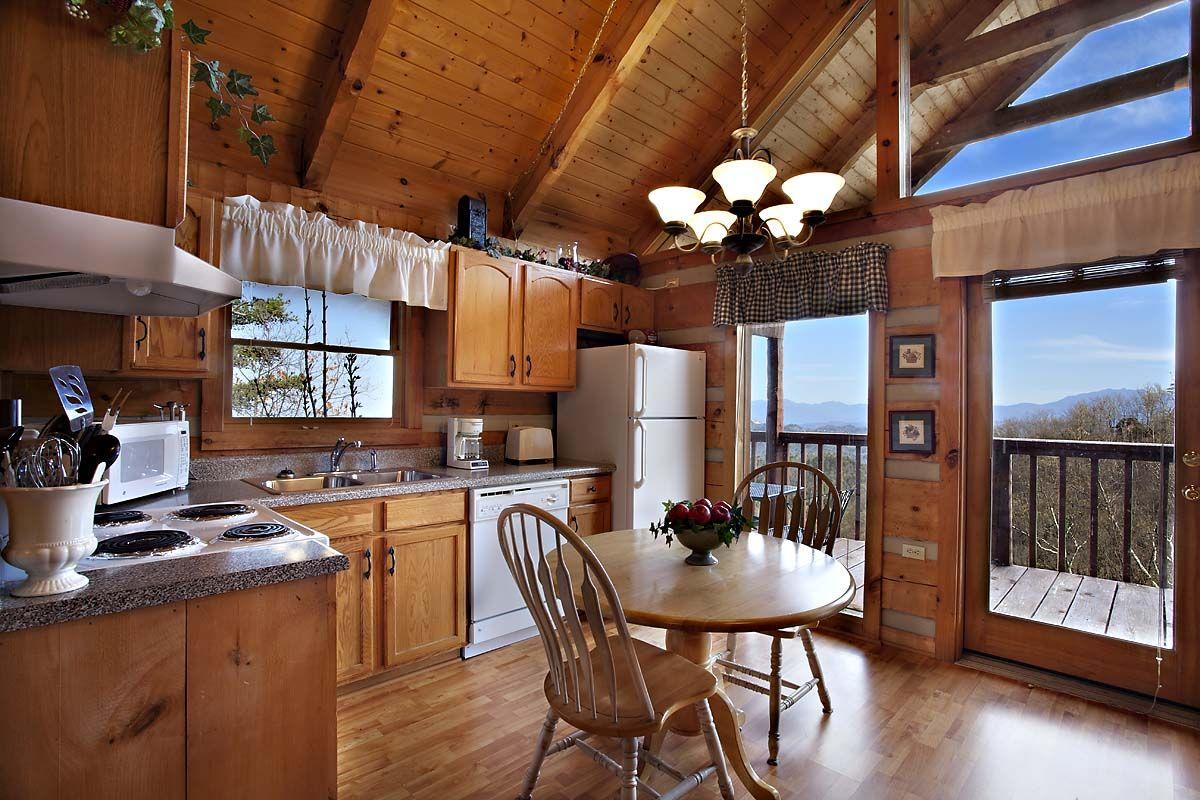 MOONLIGHT & ROSES 1 BEDROOM cabin in Sevierville