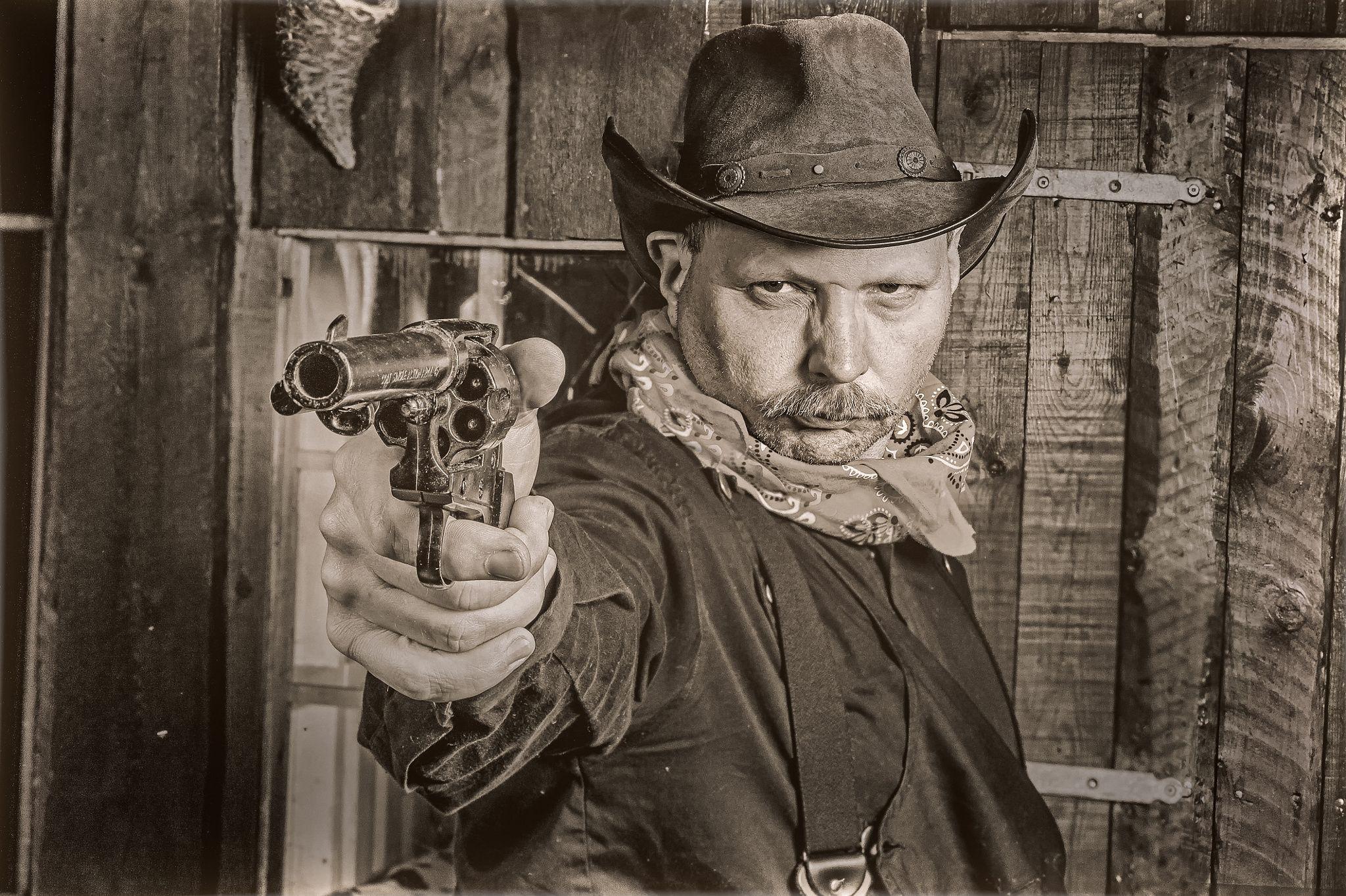 Gunslinger.. by hyen on 500px
