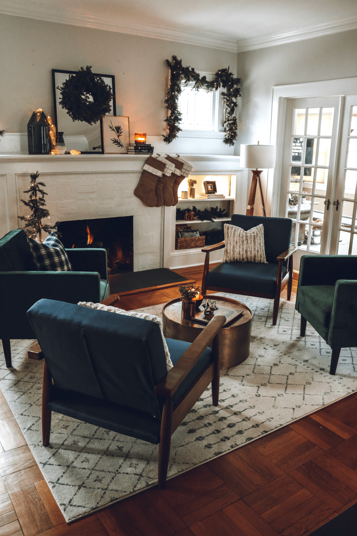 Choosing Living Room Colors: Living Room Makeover- Choosing The RIGHT Furniture