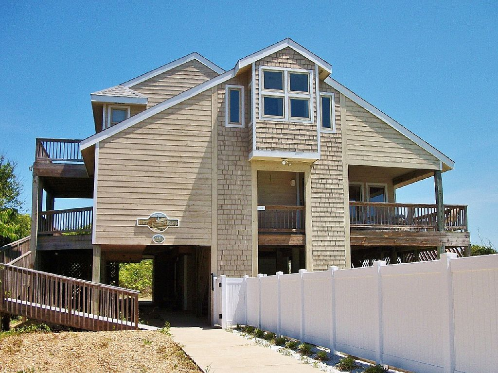 Lady Liberty 4 Br 3 1 Ba Four Bedroom House In Southern Shores Sleeps 8 Vacationren Outer Banks Vacation Rentals Outer Banks Rentals Outer Banks Vacation