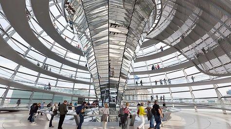 Lichtelement in der Kuppel des Reichstagsgebäudes
