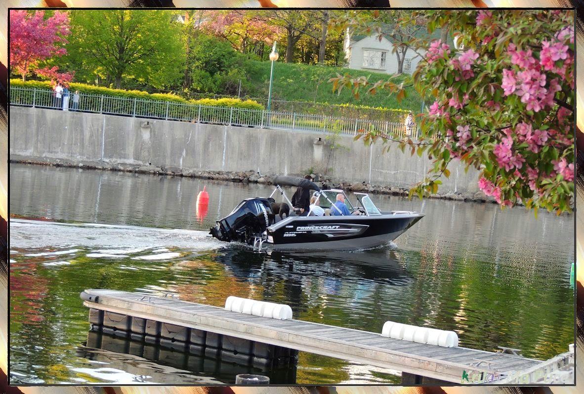 Mémoires Visuelles: Magog et son Grand Lac http://evasionqc.blogspot.ca/2014/03/magog-et-son-grand-lac.html