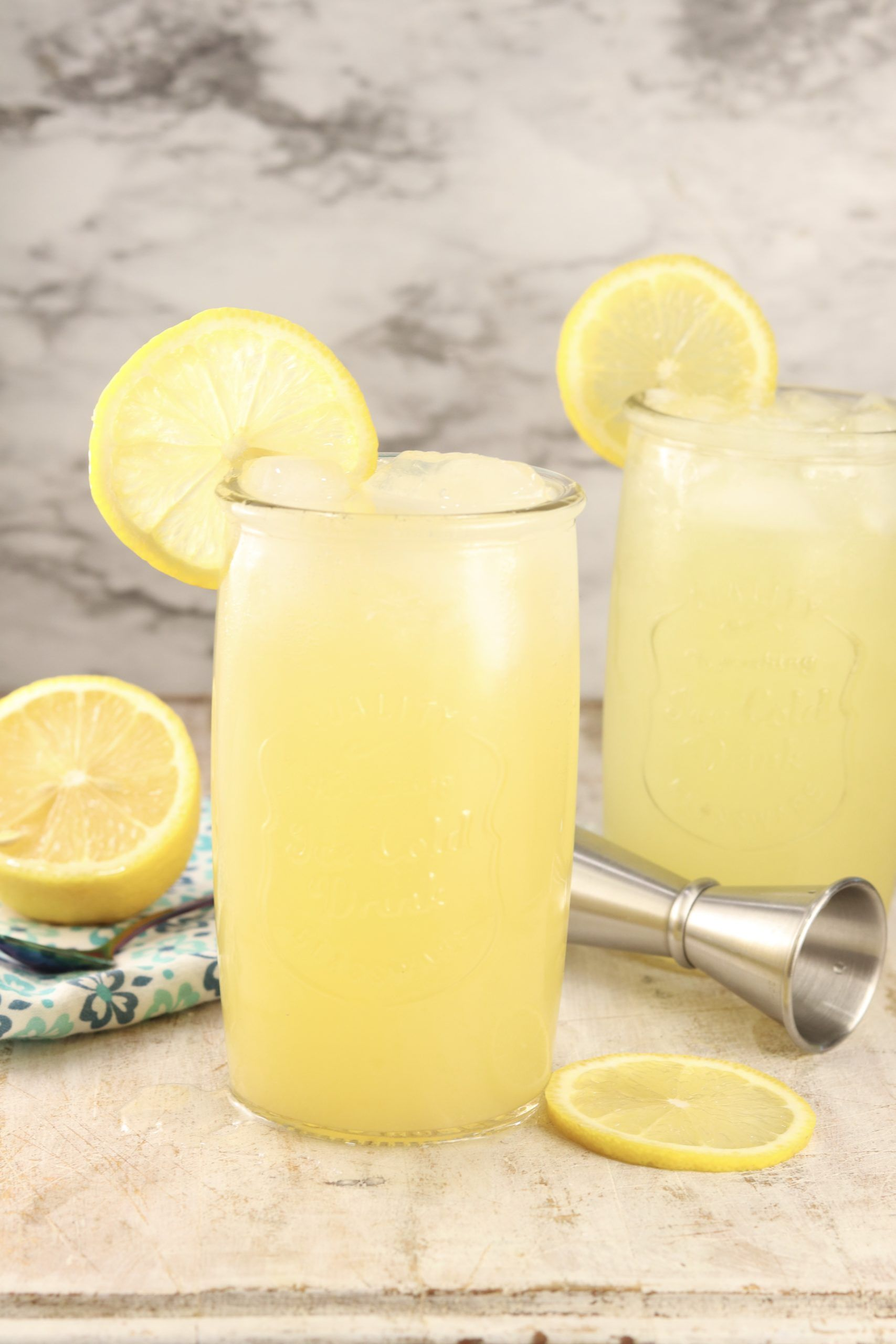 Pineapple Vodka Lemonade {Large Batch Cocktail} - Miss in the Kitchen