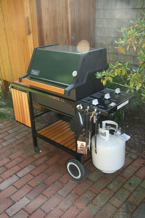 An Old Farm Restoring A Vintage Weber Grill Food In