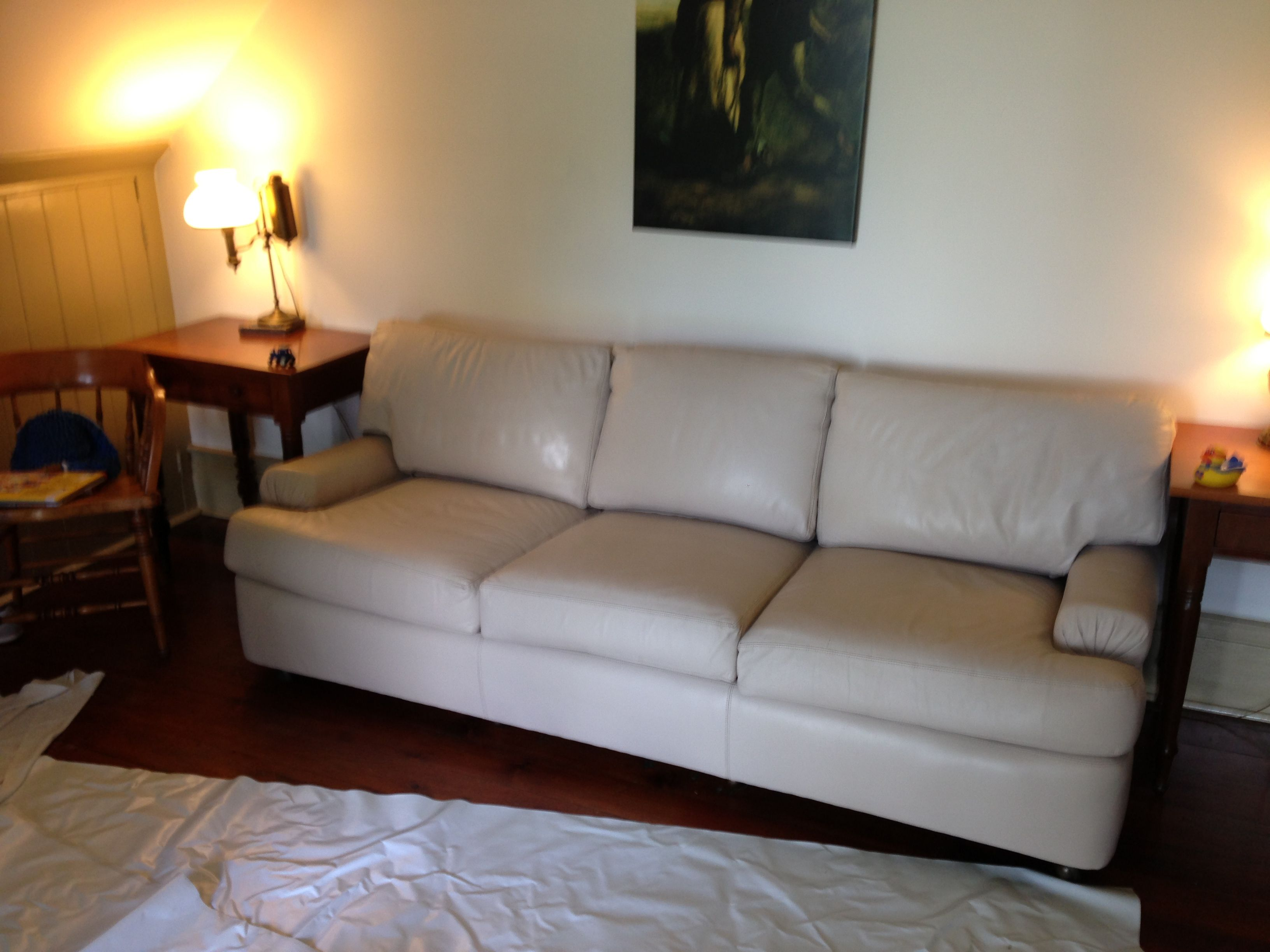How To Clean A Leather Couch.  Vacuum  Dove Sensitive Skin Body Wash  Rags,  Towel  Magic Eraser  Elbow Grease