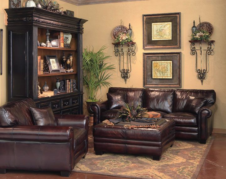 leathers sofas  tuscan decorating living room tuscan