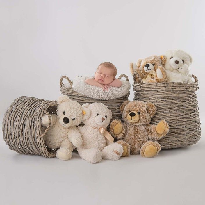 baby fotoshooting mit kuscheligen freunden babyfotos mit accessoires shooting ideen. Black Bedroom Furniture Sets. Home Design Ideas