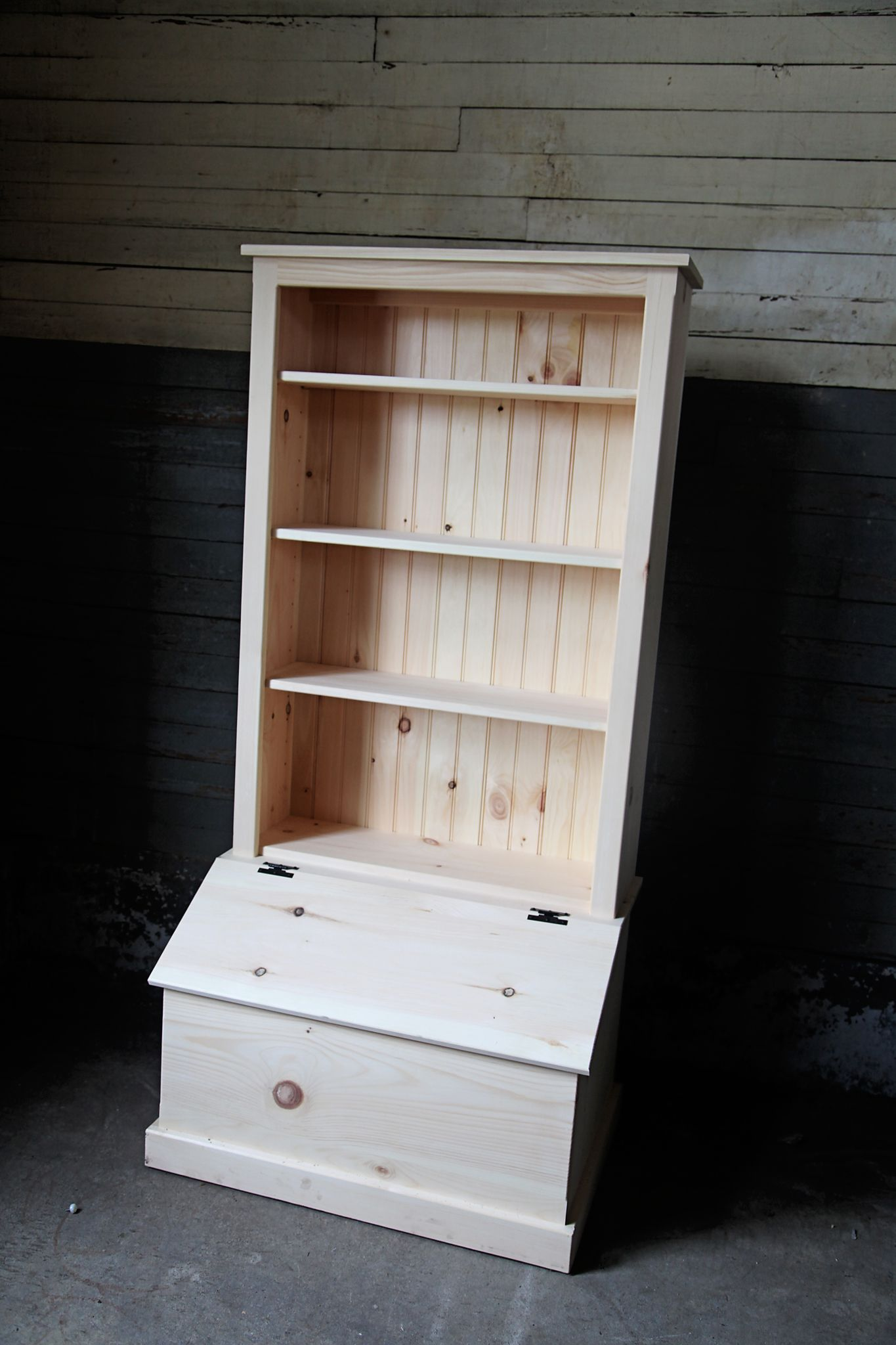Quality Amish Handmade Toy Box Bookcase Combo Sold Online Or In Stores At Peaceful Valley Amish Furniture For 349 Diy Toy Storage Wooden Toy Boxes Diy Toy Box