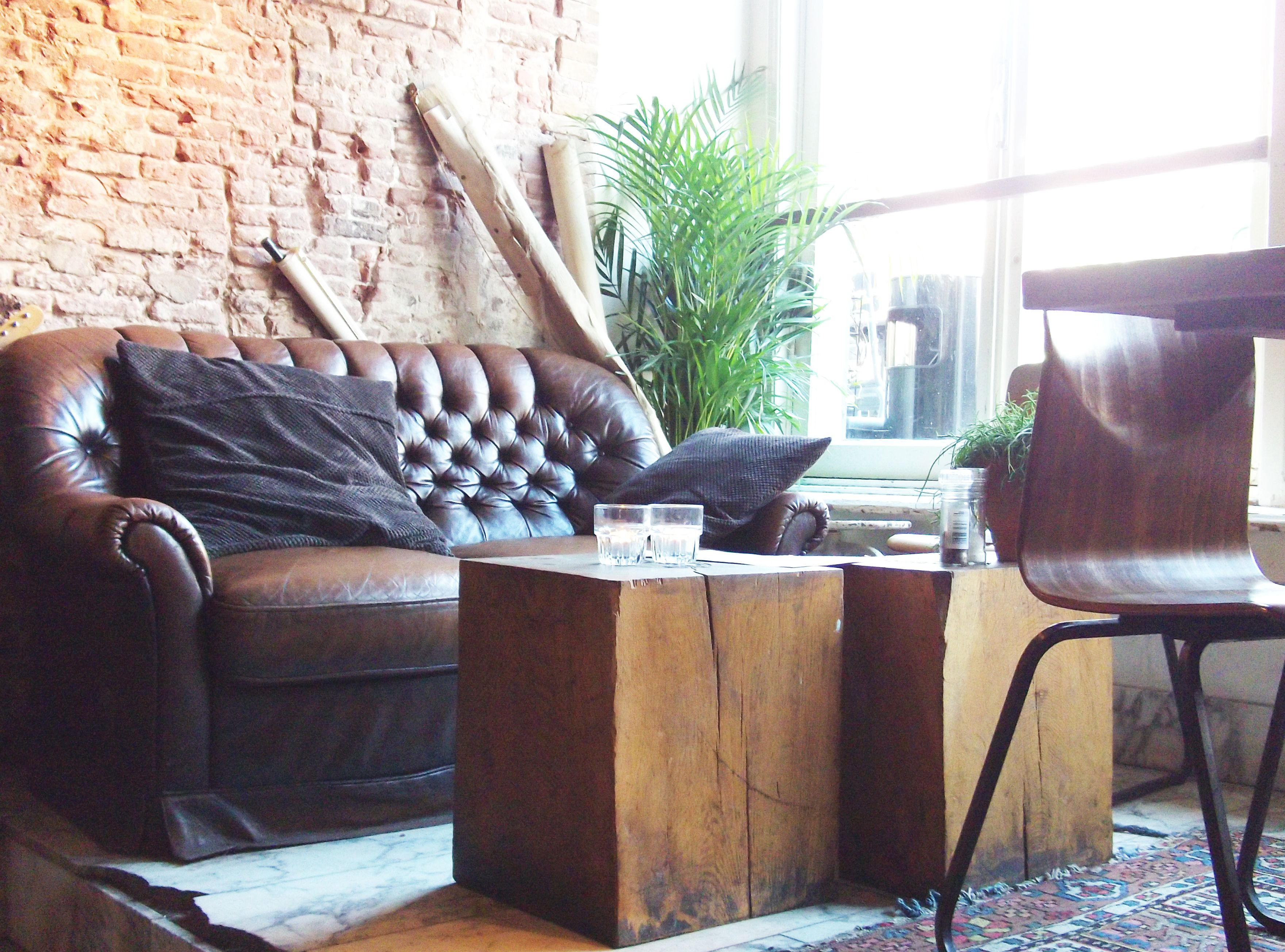Vintage interiors and Brunch in Paper Planes, Rokin 81 - Amsterdam City Guide