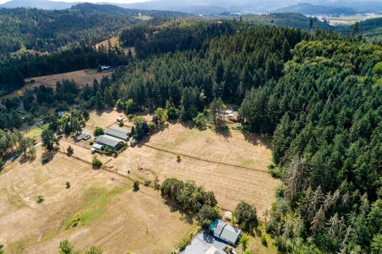 Equestrian estate for sale in lane county oregon close