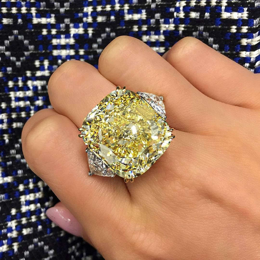 Fancy Yellow 30 Carat Diamond Ring Christiesjewels Dream Jewelry Big Diamond Rings Diamond Dreams