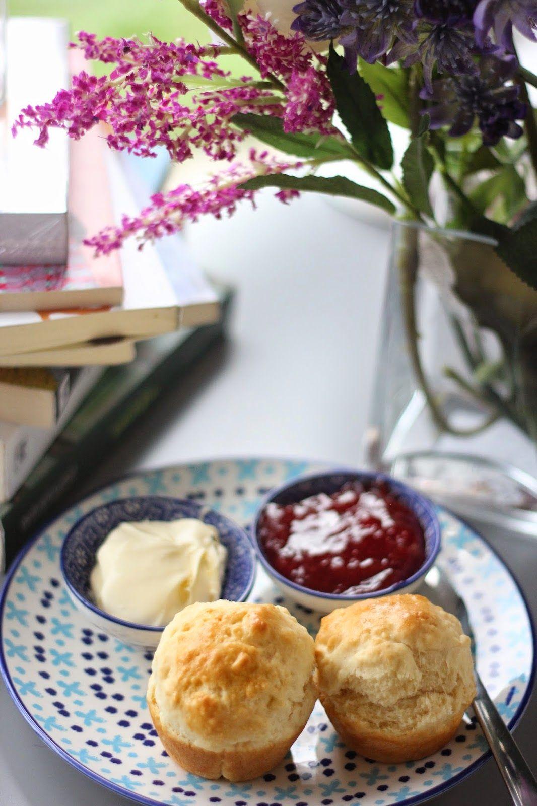 Memokitchen طريقة عمل سكونز الكعكة الشعبية في بريطانيا Scones Food Desserts Cheese