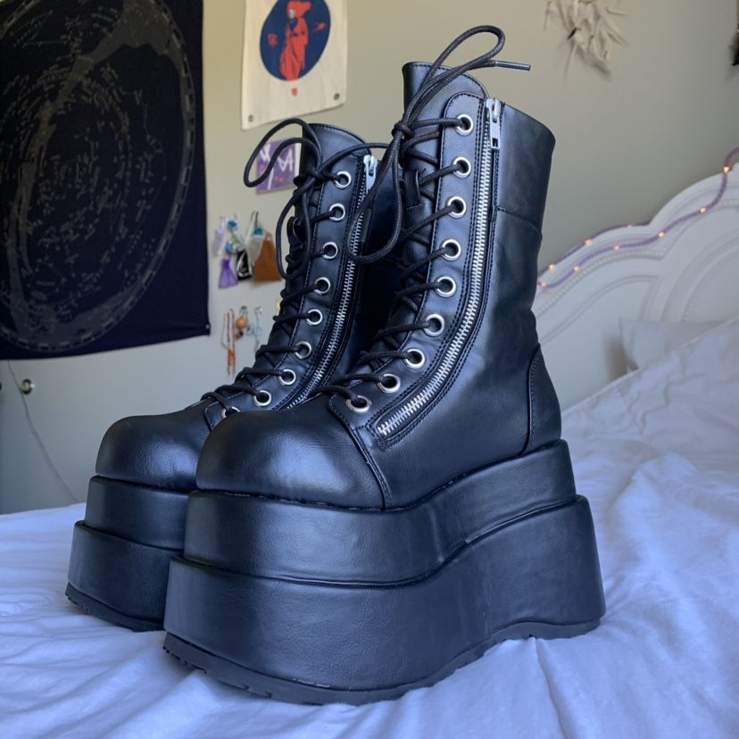 Goth shoes, Aesthetic shoes, Grunge boots