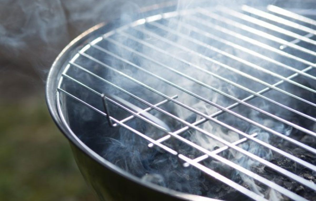 Diy natural grill cleaner clean grill baking soda