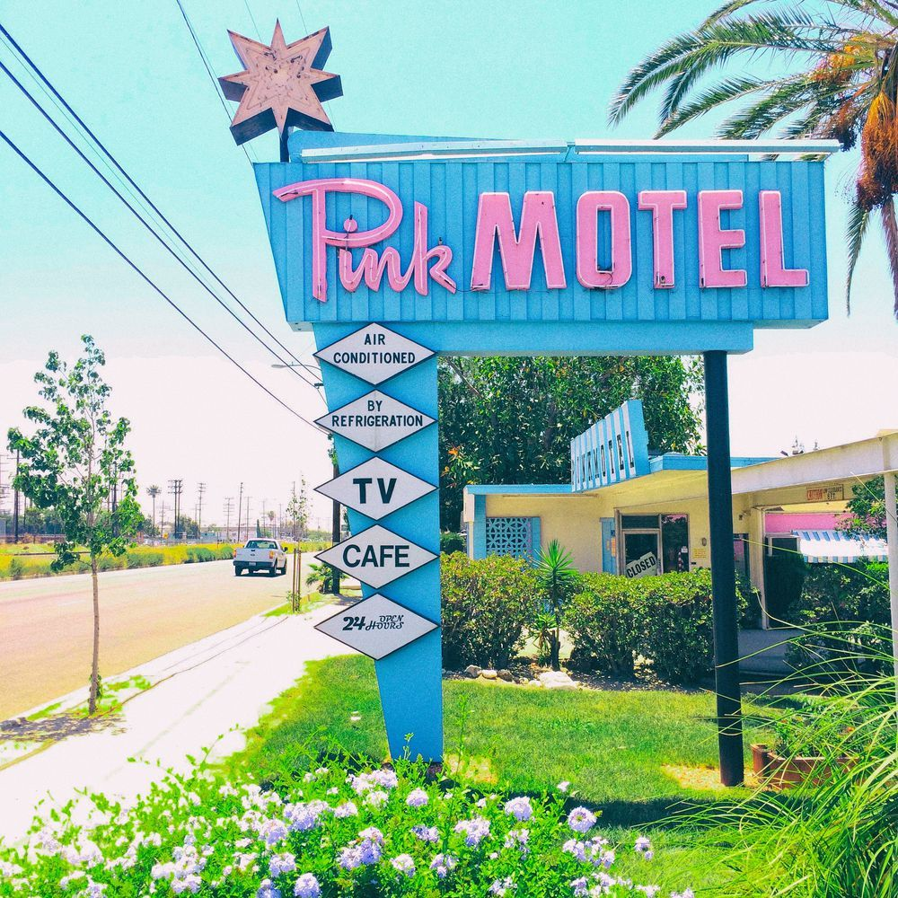 The valley motel that always steals the show pinterest for Zola motel zola predosa