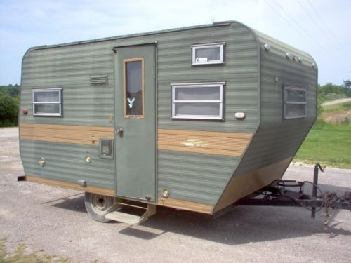 rare vintage small 12ft travel trailer hunting camper nice tires tow it home campers glampers. Black Bedroom Furniture Sets. Home Design Ideas