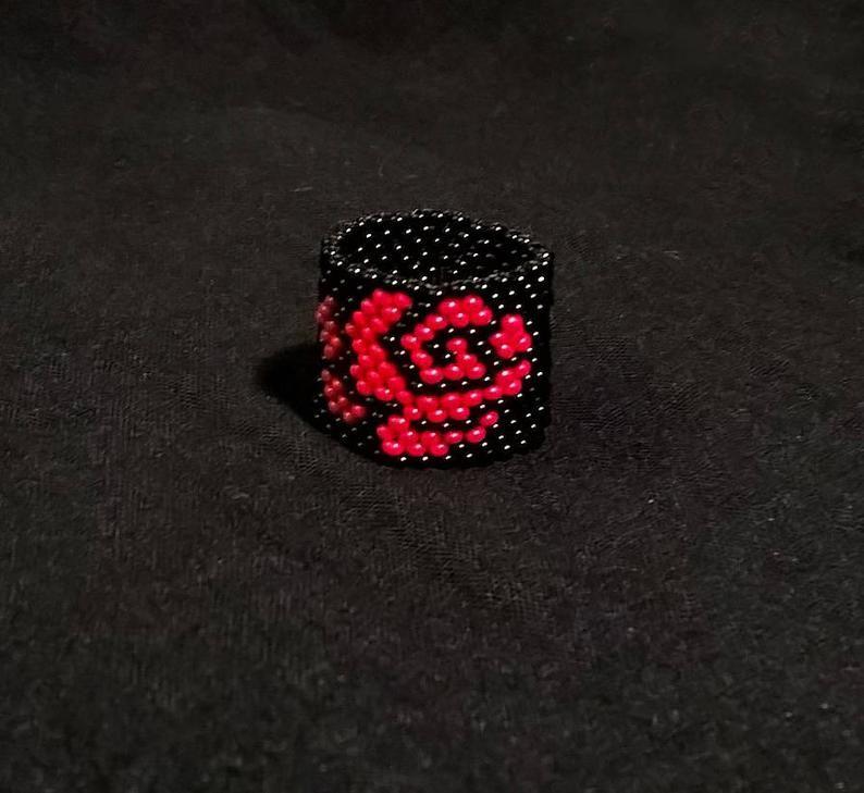 Beaded Ring with Red Roses on Black Background Ring, Peyote Stitch Ring, Beaded Black Peyote Ring, Roses Jewelry, Velvet Rose Beaded Ring