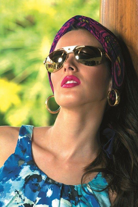 5d75195009 Adriana Dorn, Miss Nicaragua 2011 usando lentes Cartier (Santos Dumont  T8200676)