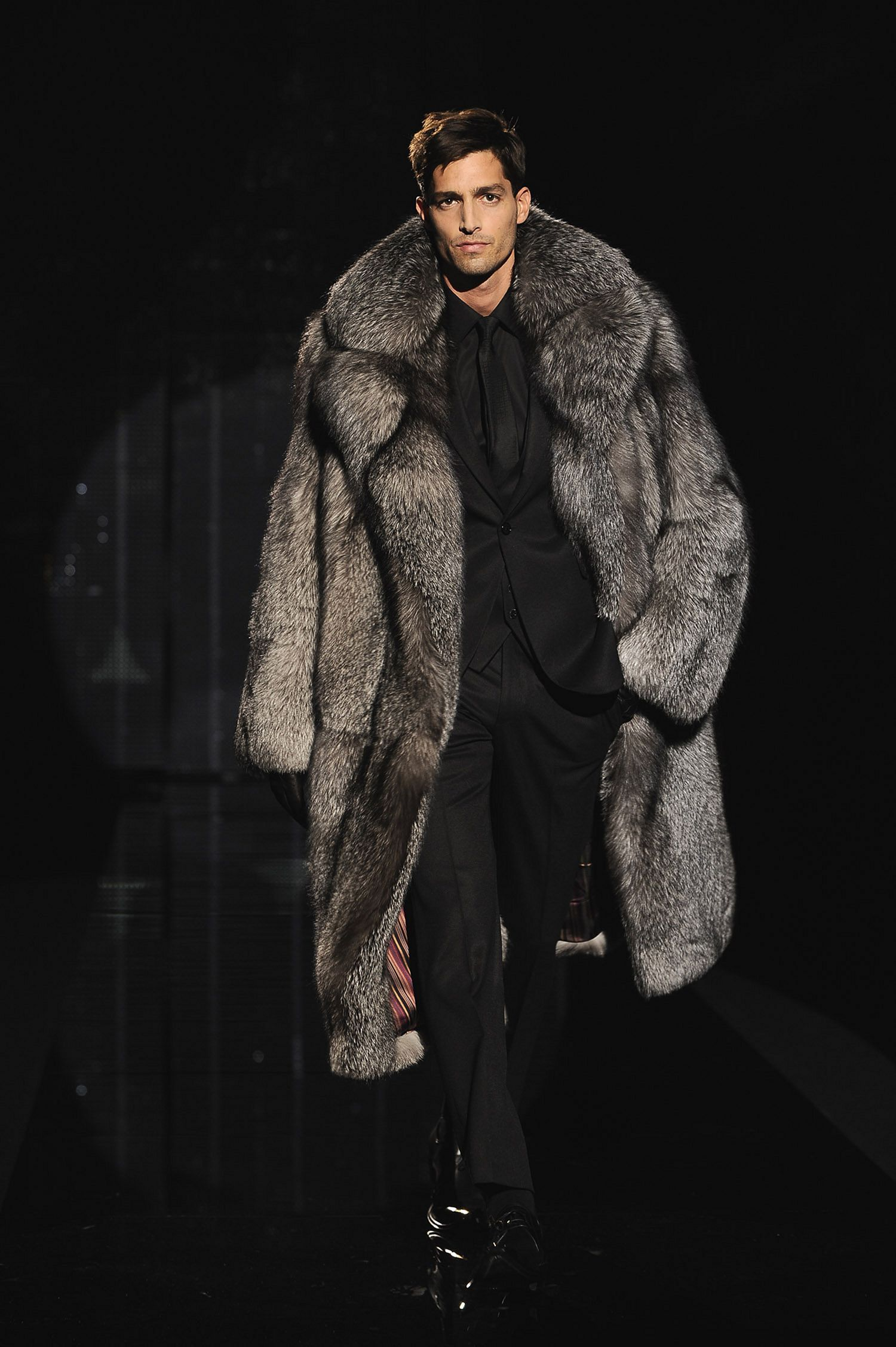 Amazing 40+ Gorgeous Winter Fur Coats For Men Ideas https