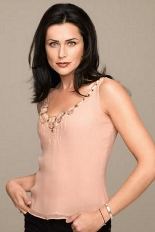 Rena Sofer how old is she