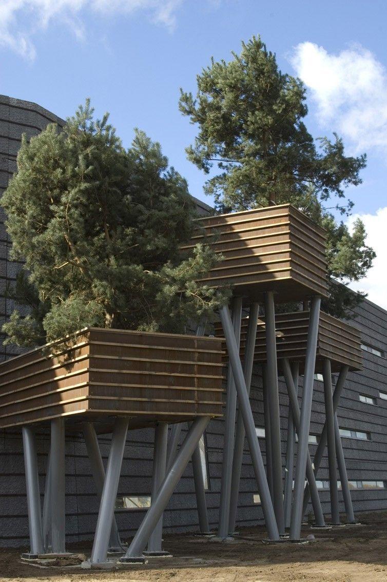 6 Nurturing Hacks: Fence Panels Repurposed Horizontal