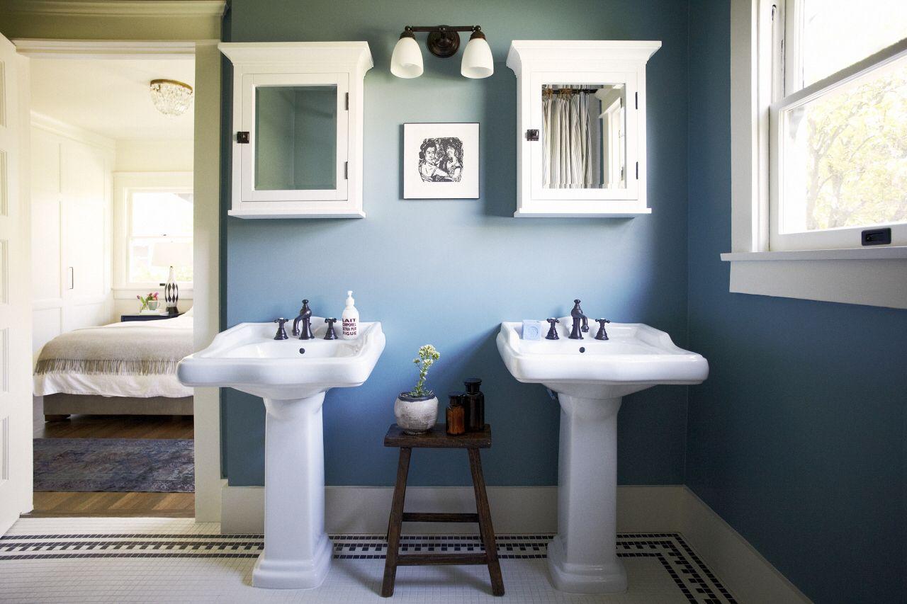 Double pedestal sinks | Bathroom Ideas | Pinterest | Pedestal sink ...