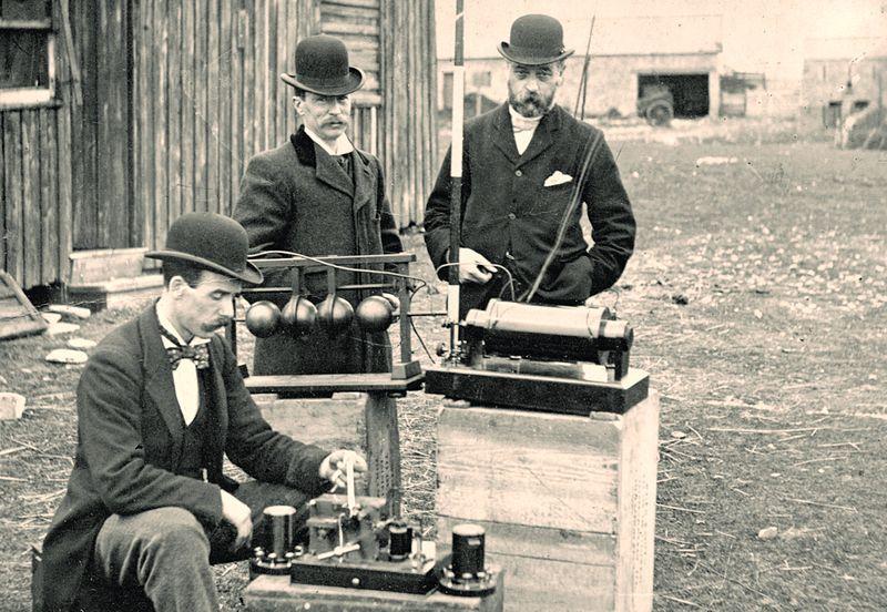 office radios. British Post Office Engineers Inspect Guglielmo Marconi\u0027s Wireless Telegraphy (radio) Equipment In Council Flat Holm Project - Cardiff Radios