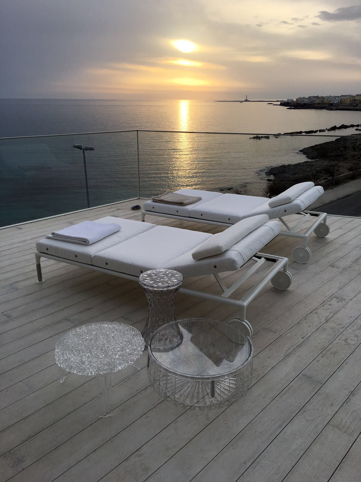 Stone by Marcel Wanders T Table by Patricia Urquiola