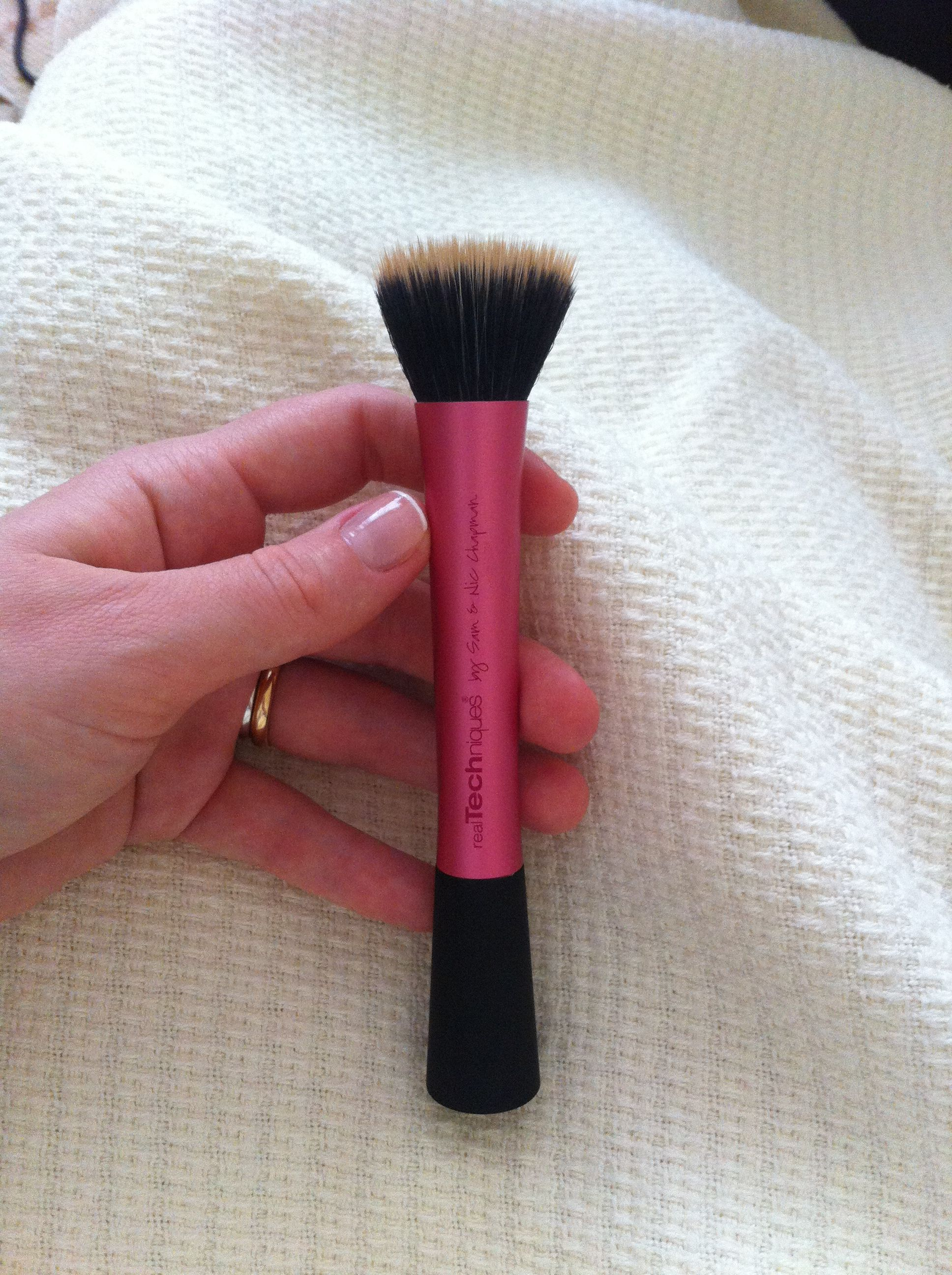 Real techiques stippling brush the best makeup products