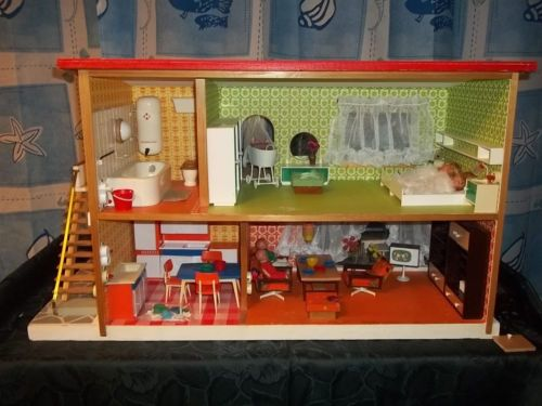 puppenhaus mit licht klingel voll eingerichtet original puppenstube ddr dollhouses ddr. Black Bedroom Furniture Sets. Home Design Ideas