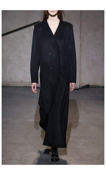 EACH X OTHER – FALL WINTER 2015 – PREORDER HERE: http://www.precouture.com/en/long-coat/10661-leather-pants.html PRECOUTURE.COM is the first European website offering the possibility to preorder the looks straight from the runway. Order your looks now and wear them before anyone else, before it hits stores !