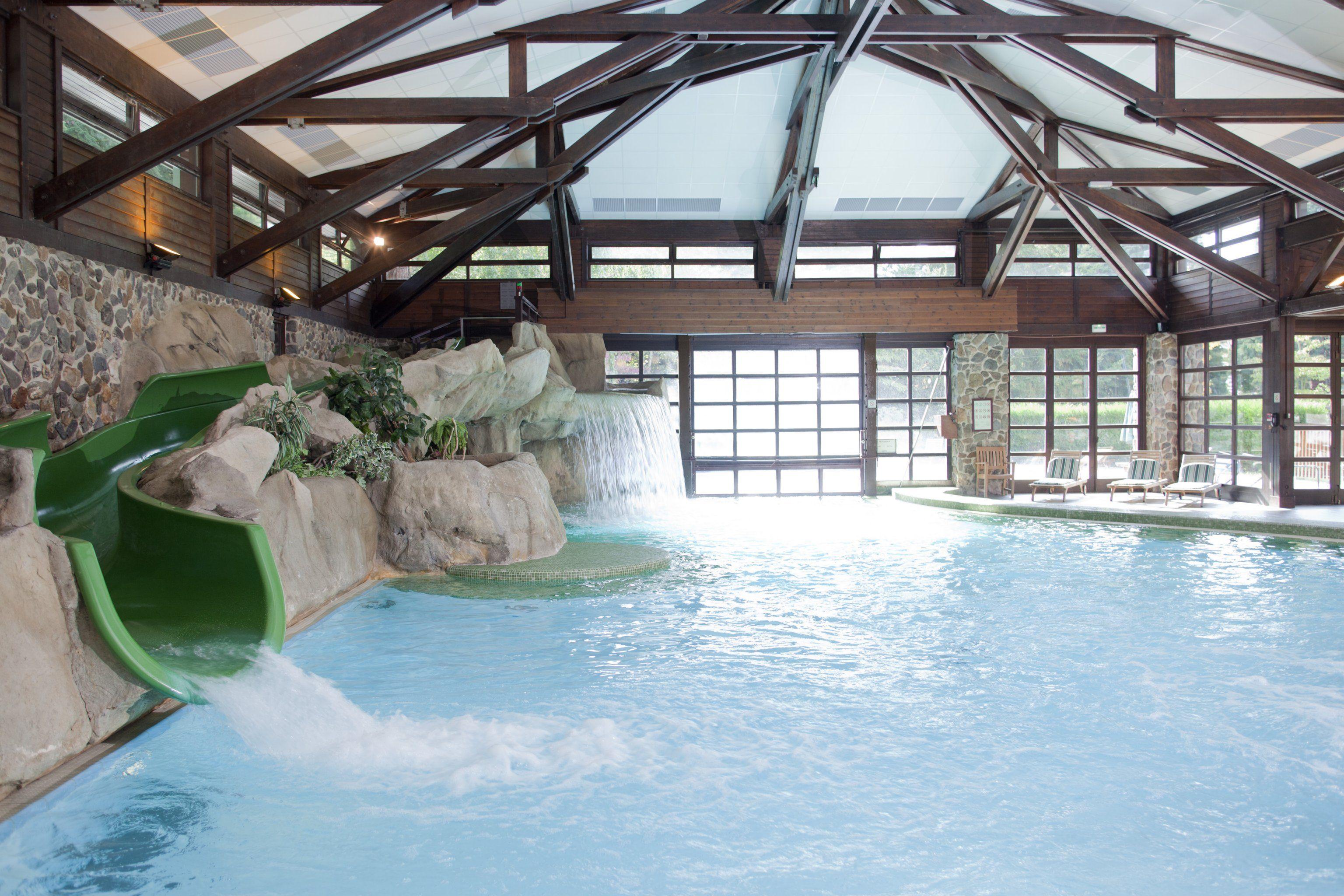 Which Disney Hotel Pool To Choose Disneyland Paris Forum Tripadvisor