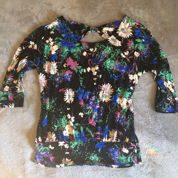 Floral Print Blouse Modern floral print 3/4 sleeve. Comfortable material. A little loose fitting in middle and then bottom is fitted. Bow at top of shirt in back. LC Lauren Conrad Tops Tees - Long Sleeve