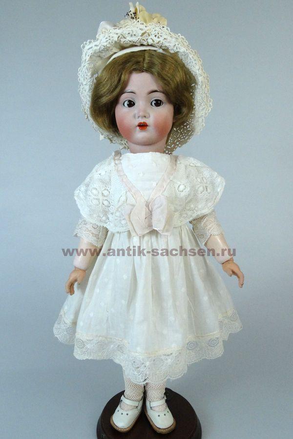 antieke poppenkleding
