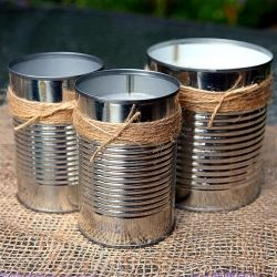 This tutorial will show you how to easily make citronella candles with recycled materials.