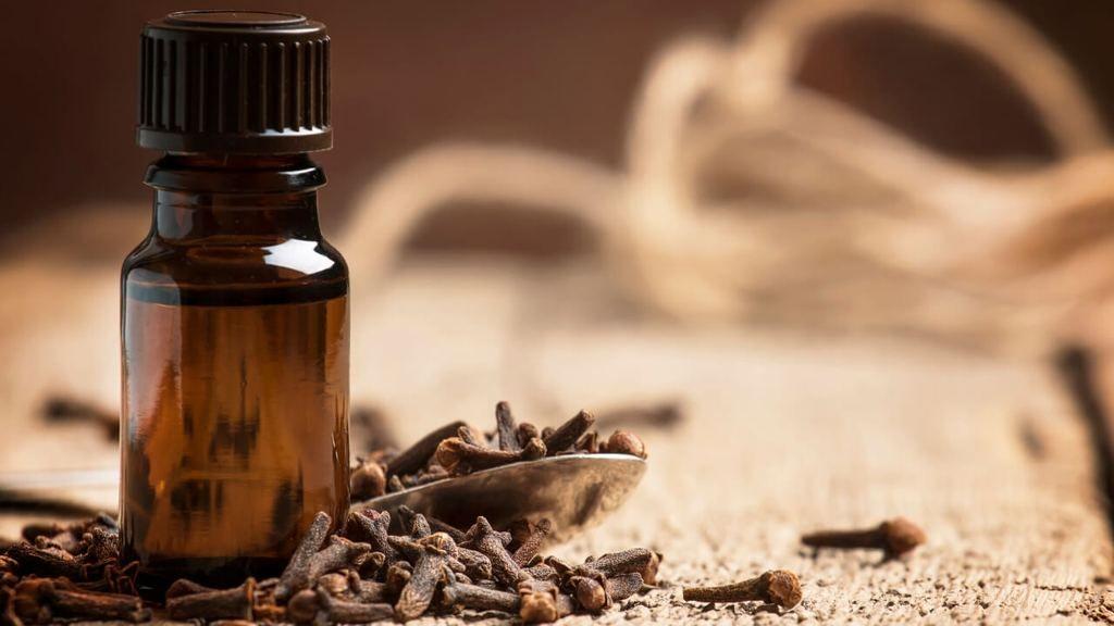 Essential Oil Diffuser Blends for Men - Best Masculine Scents
