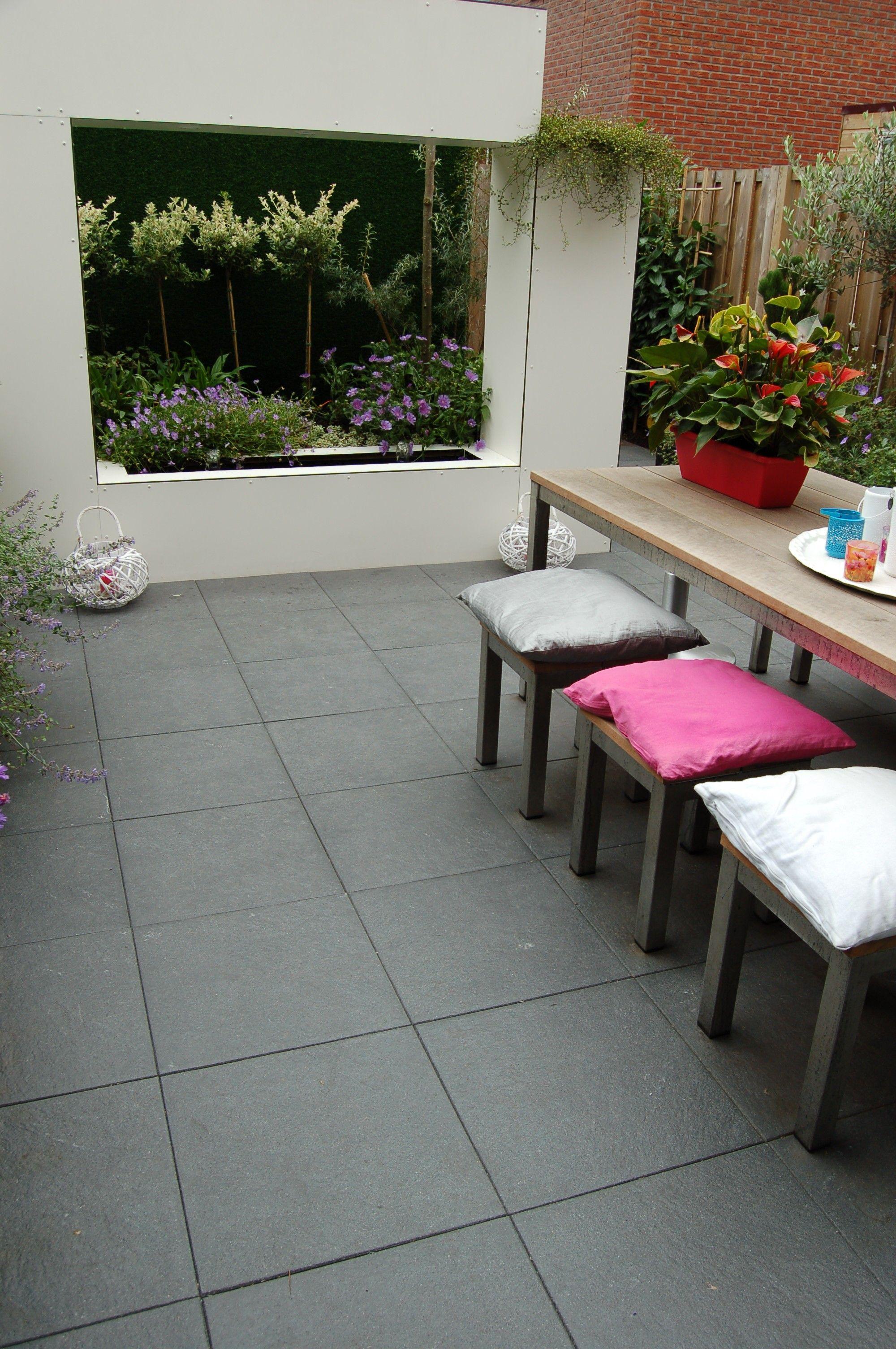 Gestraald en gecoate tegels rocktiles de rocktiles zijn leverbaar in vier kleuren in het - Dek een terras met tegels ...