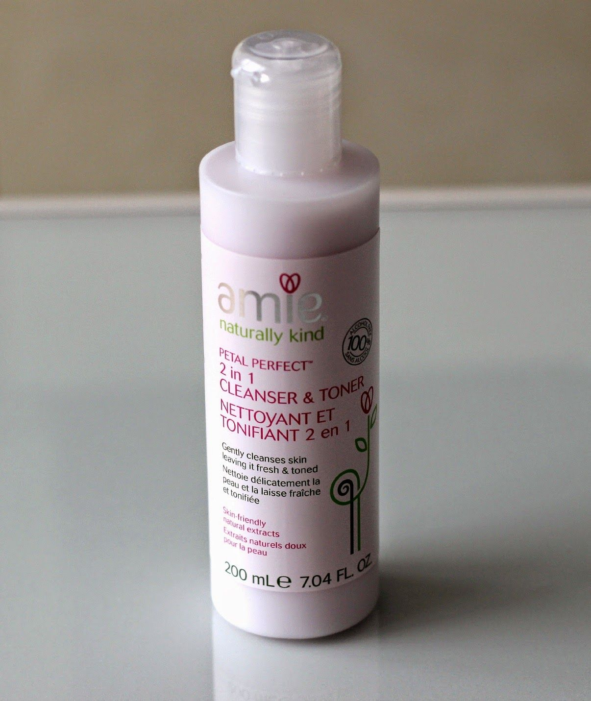 Natalie Loves Beauty: Amie Petal Perfect 2 in 1 Cleanser and Toner | Review