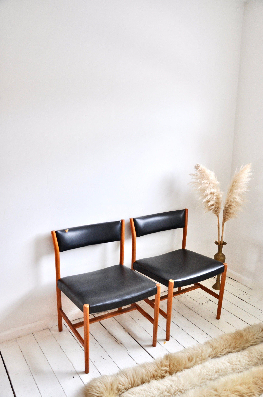 Set Of 2 Danish Vintage Teak And Leather Mid Century Modern Etsy Mid Century Modern Chair Mid Century Dining Table Mid Century Modern House
