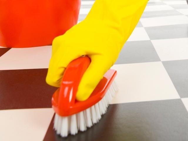 RENGØRINGSFIRMA - DINAservice er et rengøringsfirma, der udfører en professionel og miljøvenlig rengøringsservice. Som rengøringsfirma ligger vi vægt på at tilpasse os til jeres ønsker og behov. Både private og små eller store virksomheder har brug for et miljøvenligt og professionelt rengøringsfirma. Vi skræddesyer et regøringsprogram der passer lige til dig. www.dinaservice.dk/rengoeringsfirma.php