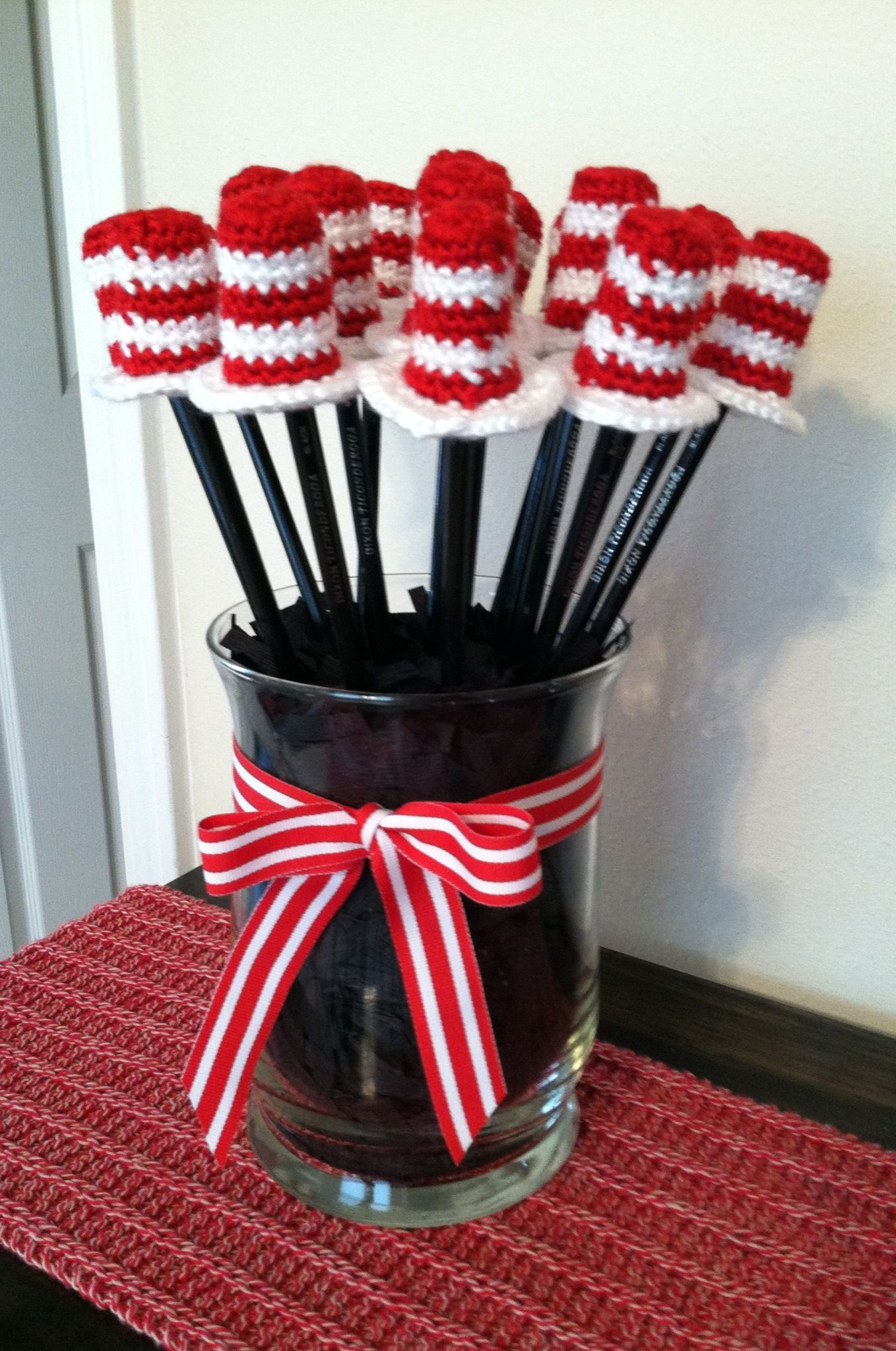 Crocheted Cat in the Hat pencil toppers! Made these for Austin\'s ...