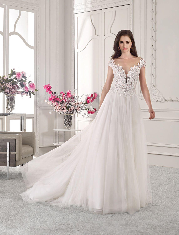 Trouwjurk Amersfoort.Trouwjurk Demetrios 827 Art 29057 Valkengoed Wedding Fashion