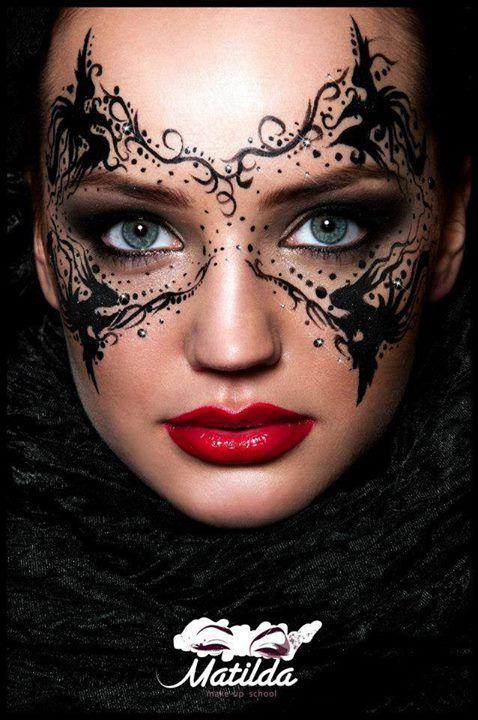 Un Adevarat Talent In Arta Machiajului Make Up Magazine Romania Masquerade Makeup Masquerade Mask Makeup Fantasy Makeup
