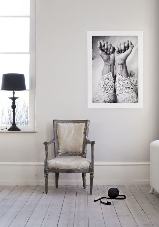 chair/picture